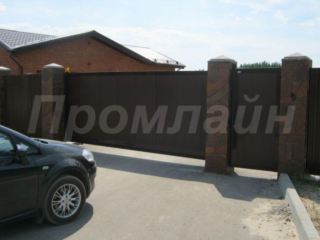 Откатные автоматические въездные ворота с калиткой