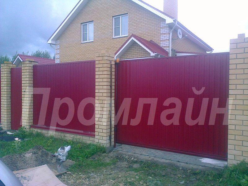 Ворота откатные из профнастила с электроприводом