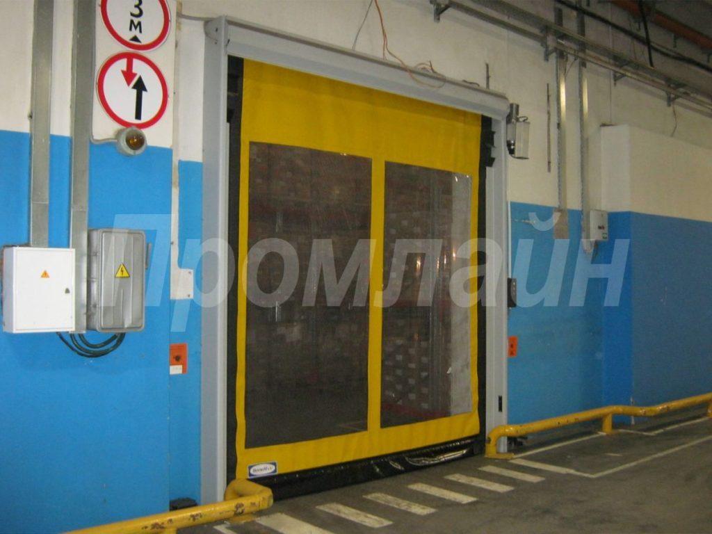 скоростные рулонные ворота doorhan с окном