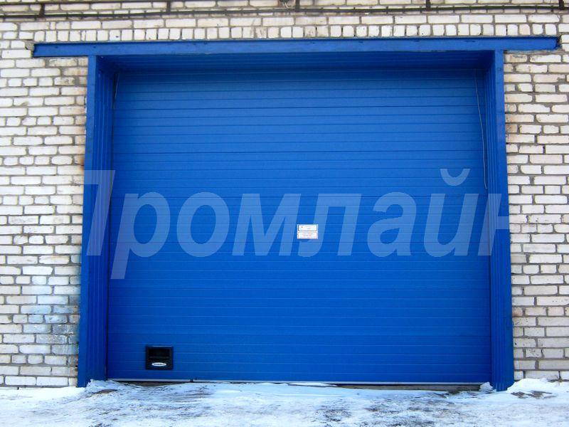 Секционные подъемные ворота Doorhan
