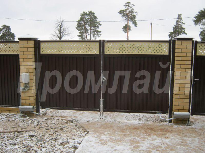 Автоматические распашные ворота из профнастила