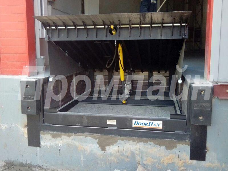 Уравнительная платформа Доклевеллер Doorhan c поворотной аппарелью